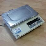 Svari CAS AD-15 (līdz 15 kg). Izmanto pie kases sistēmas, fasētavā un kontroles svari.
